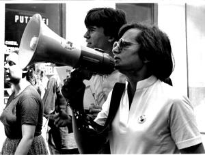 Poldi Schnabl als Friedensaktivistin (späte 1980er?).