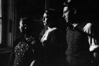 Anna, Rosa und Leopold Redlinger (v.l.n.r.) in Bratislava, 1937.